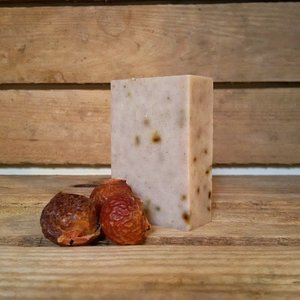 RHASSOUL & ROSEMARY SOAPNUT SHAMPOO BAR 90G